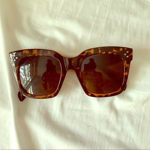 Free People square sunglasses